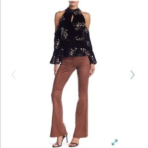 c40b3ab679 Romeo & Juliet Couture Pants - Romeo & Juliet Couture Bell Bottom Pants M